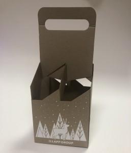 Коробка-переноска для чотирьох пляшок.