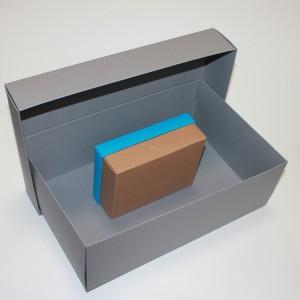 Коробка великих розмірів
